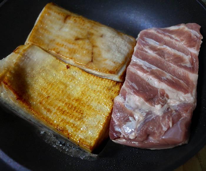 とろろ掛けの豚の角煮