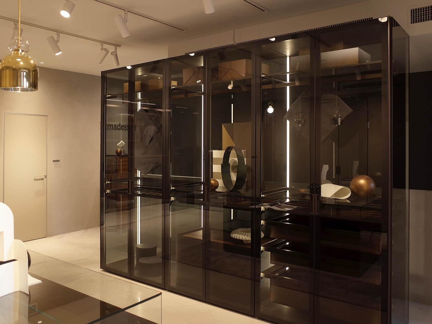 リマデジオのガラス製収納