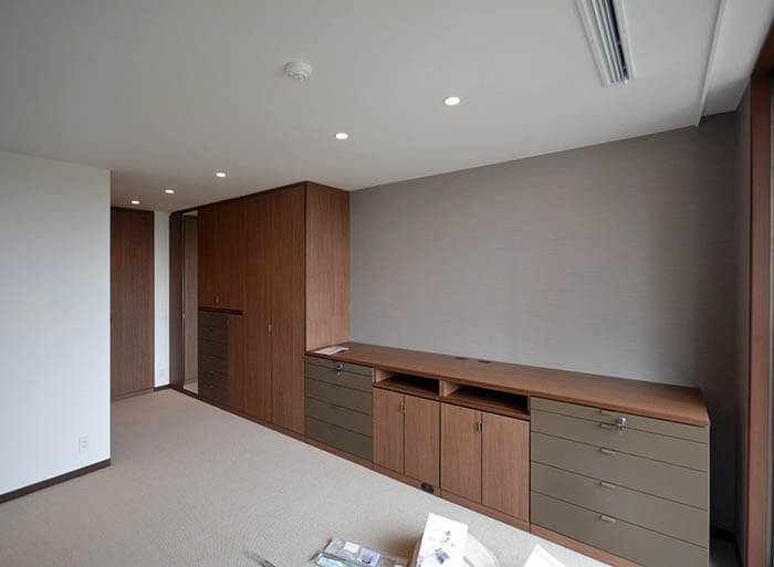主寝室のシステム収納家具