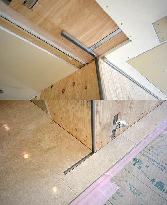 大理石張りの床と壁のガラス袖壁埋め込み用チャンネル設置