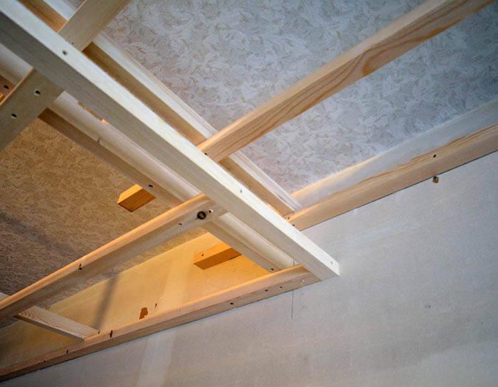 二段天井の木製下地