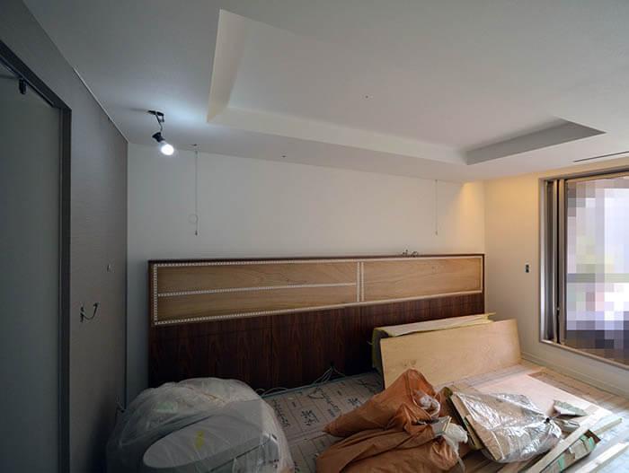 寝室のヘッドボード設置