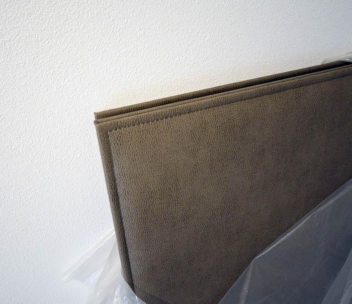 寝室のヘッドボード用レザーパネル
