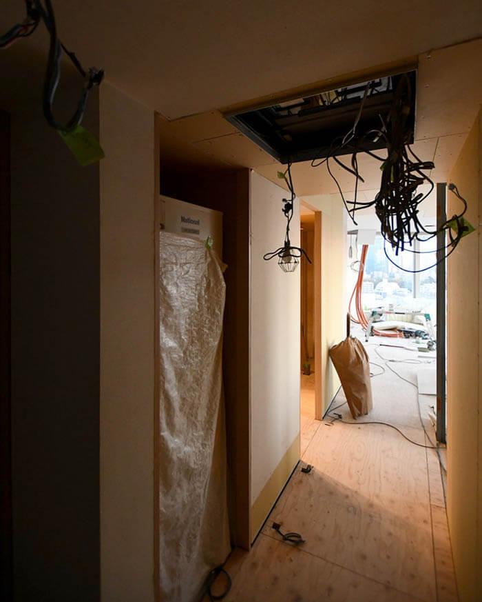 高層マンション赤坂N邸リフォームの工事現場