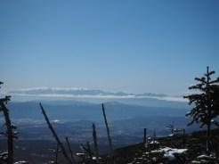 縞枯山頂上から中央・南アルプス方面