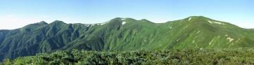 大朝日岳の稜線