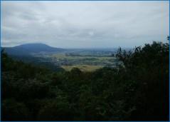 雨引山山頂より筑波山を望む