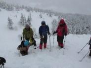 深い雪中での歩行訓練