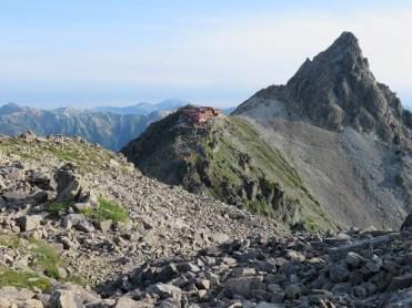 大喰岳へ続く稜線から槍ケ岳を振り返る