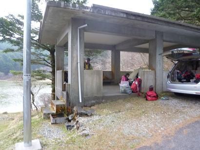剣山駐車場から近くの絶好の幕営地