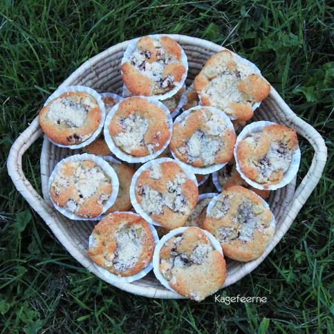 Fynsk æblekage muffins i kurv - klar til servering