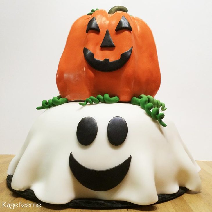 Halloween cake with pumpkin and ghost