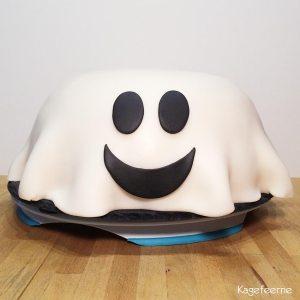 Halloween kage af spøgelse med ansigt