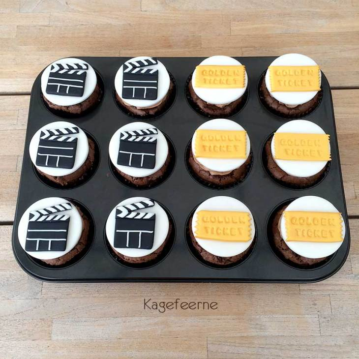 Film tema cupcakes med klaptræ og Golden ticket