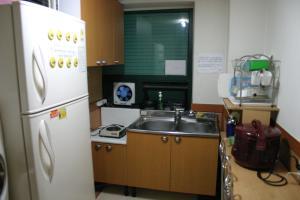 考試院の台所