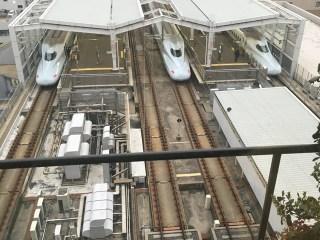 新幹線を見れる喫煙所。鹿児島中央駅