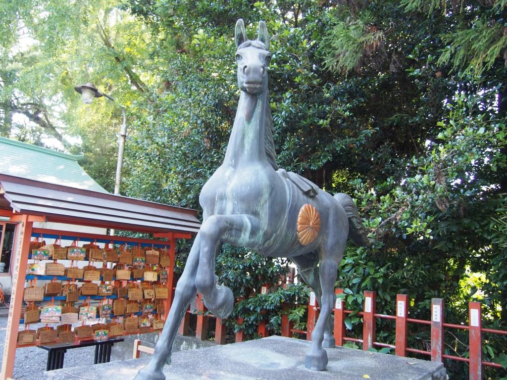 指宿神社 馬 石像