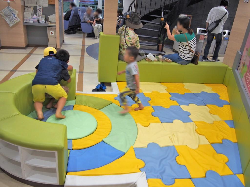 桜島納涼観光船の子どもスペース