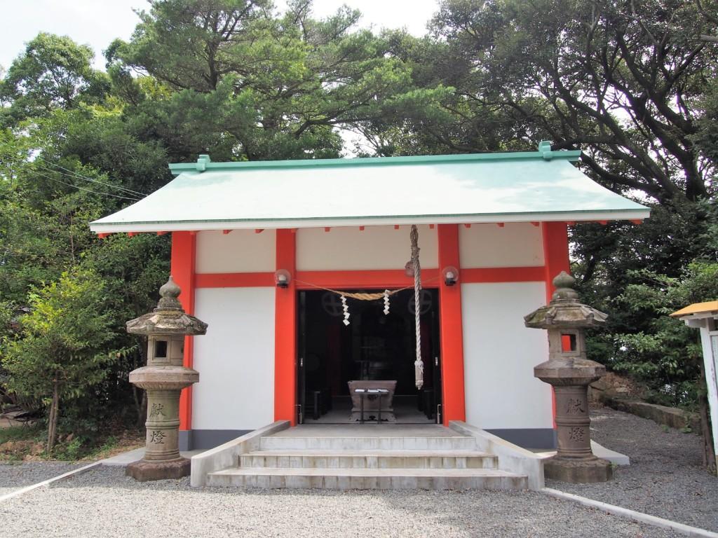 烏帽子嶽神社