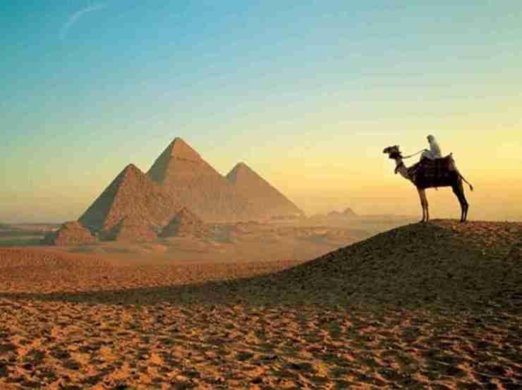 ПЕРЛИТЕ НА ЕГИПЕТ- ПОЧИВКА в Хургада с посещение на Кайро+ Включенаекскурзия наЕгипетския музей в Кайро и Пирамидите!