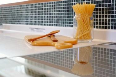 キッチンをおしゃれに変身させるタイルシート!様々な種類