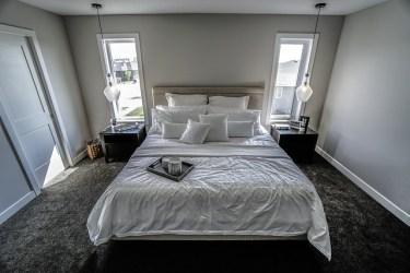 海外のベッドルームを参考にしたモダンなインテリアコーデ