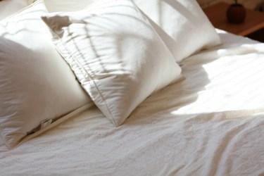 ベッドで部屋をおしゃれに!安いものだからこその活用法