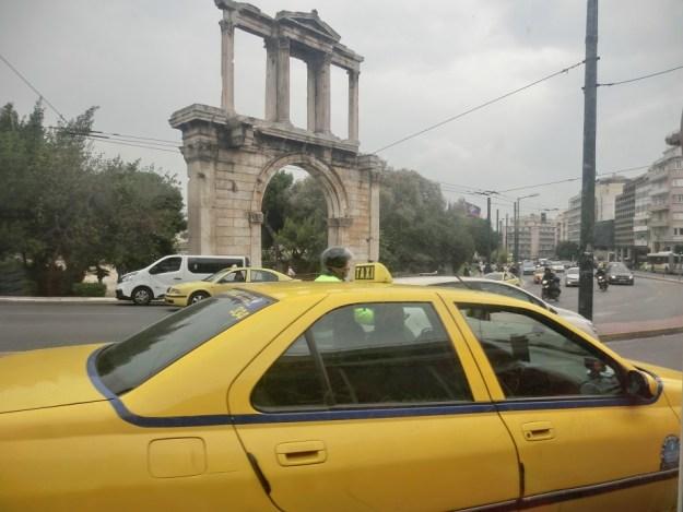 ハドリアノス門