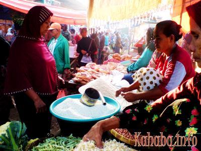Harga daging di pasar Rasa Kota Bima melonjak di bulan Ramadhan / Foto: Kahaba.info