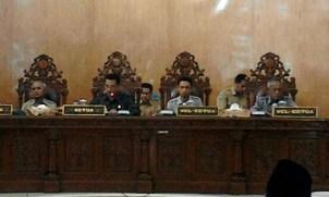 Paripurna pertama DPRD Kota Bima Tahun 2016. Foto: Bin
