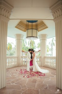 Kauai Wedding Photography | Gorgeous wedding ceremony at the Kauai Marriott