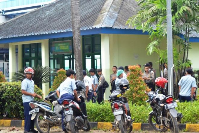 Diminta meninggalkan Musholla perusahaan | Foto: Tim Media FSPMI Purwakarta