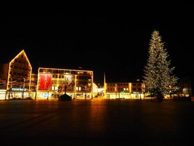 クリスマスツリー、イルミネーション