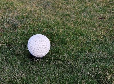 イギリス、リーズ古城でゴルフ、結果は・・・