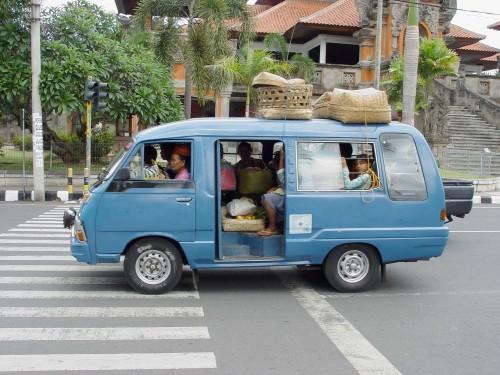 インドネシアの移動手段、ベモ