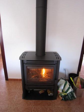 南欧アンダルシアも冬は寒い!暖炉一つでの越冬とカーニバル