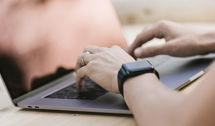 メール返信の仕方でビジネス常識を見られる?!失敗しない送り方