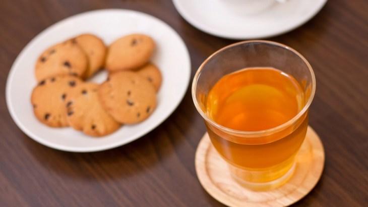 職場の来客対応で失礼のないお茶出しマナー|元秘書からのアドバイス