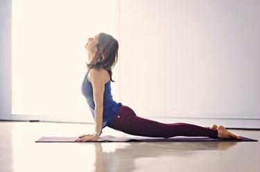逆腹筋は腰痛に逆効果?【反り腰の方は注意】