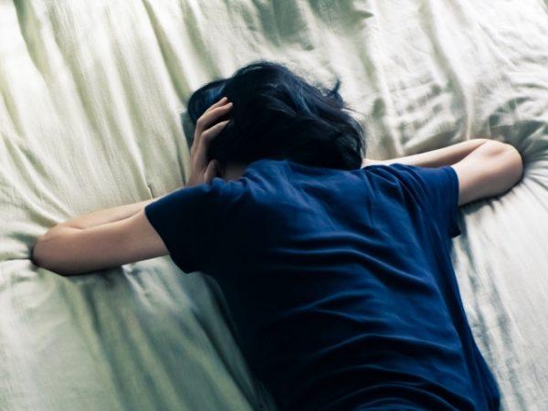 うたた寝したら何故か頭痛がする?パターン別による対処法は?
