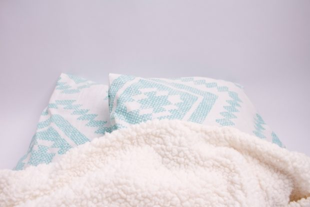まるで毛布のように温かい!毛布のいらない掛け布団カバーとは?