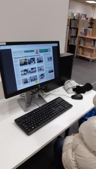 Perhevalmennuskäynti kirjastolla