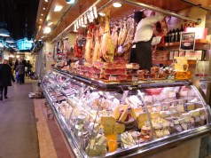 5 Foodie Places to Hangout - Barcelona - mercat de la boqueria