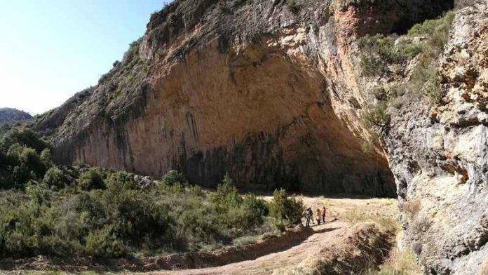 Grotte de Santa Linya