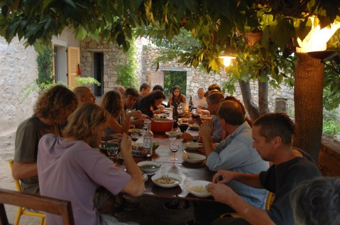 Diner Sous Les Mûriers