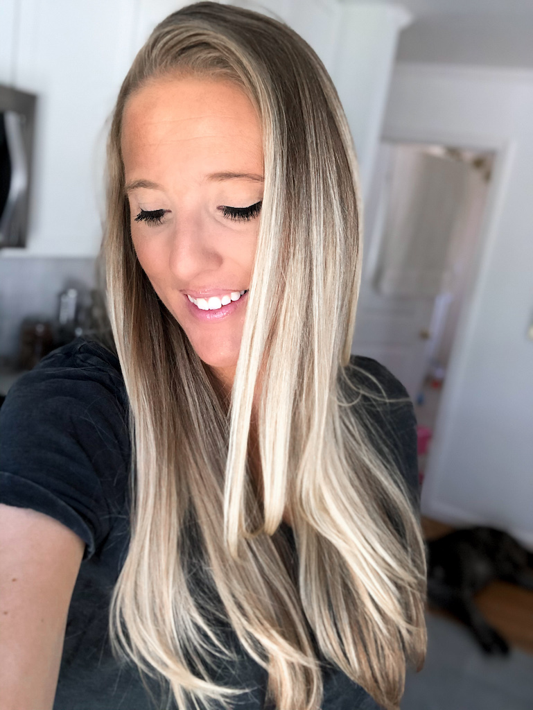 Looking for an easy way to get a nice fake bake year-round without damaging your skin in the sun? This post includes the best tanning drops that I have been using for over a year + the accessories I use with it to maintain my glow. I break down my best tips + tricks for how to apply DIY self-tanner so you can have an easy, effortless every day. You'll be blown away by your before + after because it's that easy! These drops work for self-tanning your body, as well as your face. Click to read!