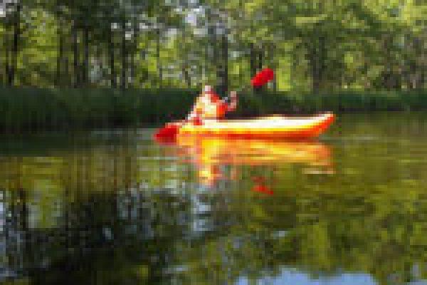 kajakiem do morza rzeką Piaśnica do miejscowości Dębki, kajaki piaśnica, spływy kajakowe pomorze, kajaki kaszuby