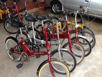 จักรยานพับสีแดง