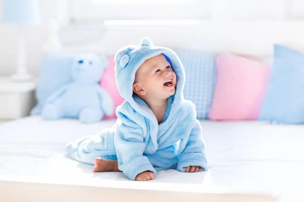 赤ちゃんにやさしいさらさの洗剤と柔軟剤で洗濯したイメージ画像