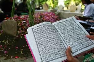 Keutamaan Ziarah Makam Auliya', Habaib & Shalihin serta Etikanya
